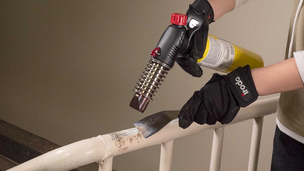 Using HG-400W Butane Heat Gun from Pro-Iroda to do paint stripping