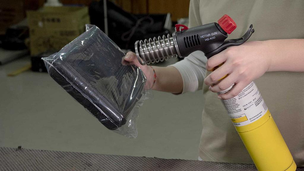 Using HG-400W Butane Heat Gun from Pro-Iroda to do shrink wrapping
