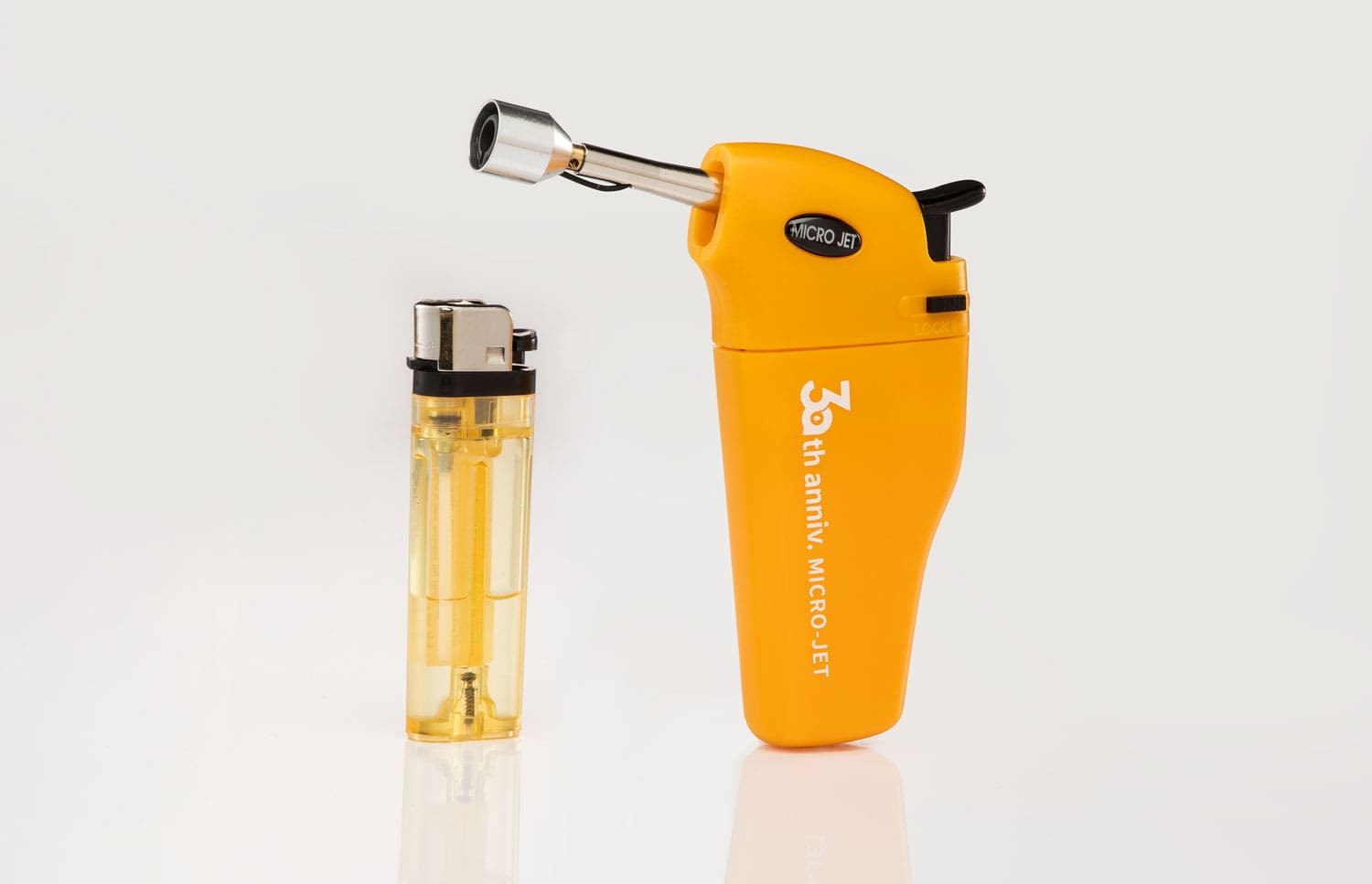 MJ-352 Micro jet precision handheld lighter features an extended nozzle and a modular lighter refill