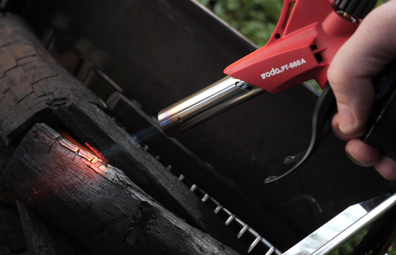 Using PT-600W Butane Cartridge Torch to start lighting charcoal